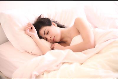 Les crampes nocturnes: causes et solutions